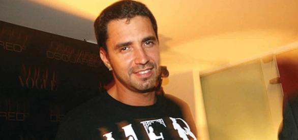 Latino detona a ex-mulher, Rayanne Morais