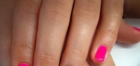 Manicure hybrydowy zyskał popularność w 2010 roku