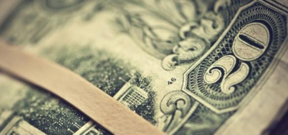 Aumento el dolar a 15.65 a pesar de intervenir