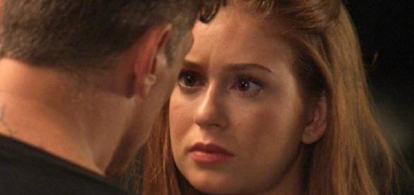 Eliza e Arthur dão primeiro beijo nada técnico
