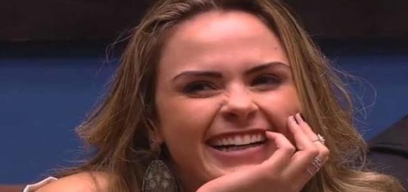 Ana Paula é amada no Twitter e odiada no facebook