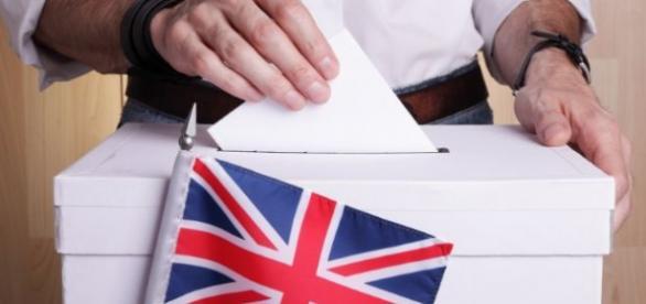 Britanicii vor decide viitorul pe 23 iunie 2016