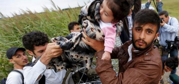 Primii refugiaţi ajung în martie în România