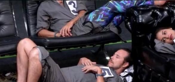 Tamiel dormindo (Reprodução/Globo)
