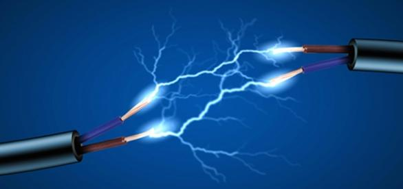 Electricidad circulando por cables