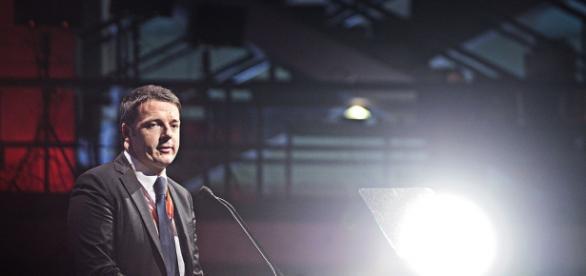 Il premier Matteo Renzi durante un comizio