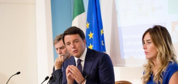 In foto Boschi, Renzi e Delrio