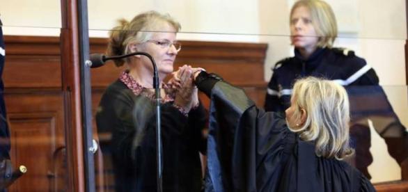 Jacqueline Sauvage oskarżona o zabójstwo w sądzie.