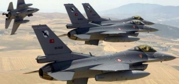 22 Pilotos turcos são mortos pelos curdos