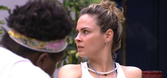 Ana quer ir ao paredão com Juliana (Reprodução)