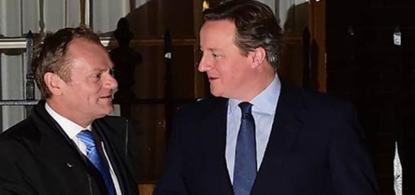 Donald Tusk şi David Cameron, negocieri