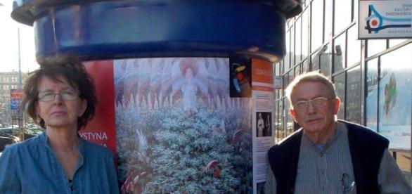 Krysia - przy plakacie fot.G.Wojciechowska