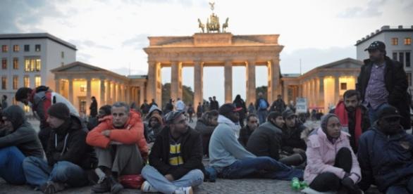 Imigranci i uchodźcy w Berlinie (DPA)