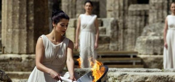 Tochas eram usadas em homenagens à deusa Athena