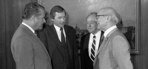 Kiszczak z Honeckerem i Mielkem (szefem Stasi)
