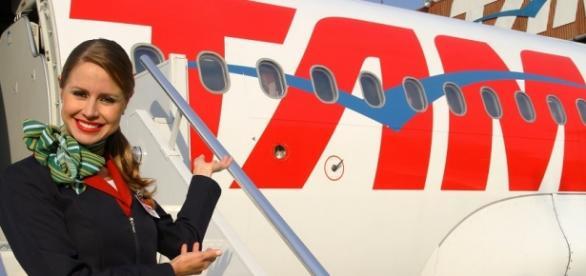 A Tam está contratando comissários de bordo