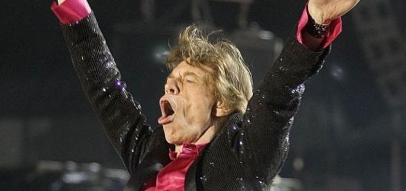 Mick Jagger segue com fôlego para empolgar os fãs