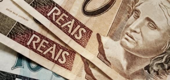 PIS é pago anualmente a trabalhadores brasileiros