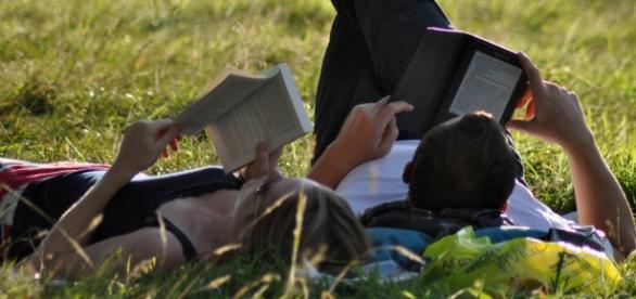 Ler por prazer traz benefícios (Foto: Megan Trace)