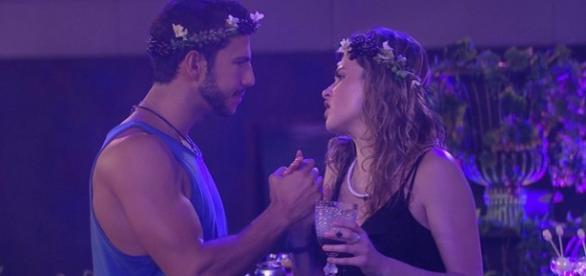 Ana Paula interroga Matheus (Divulg./Gshow)