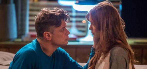 Eliza e Arthur em 'Totalmente Demais'