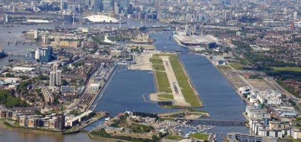 London City Airport, a 10km do centro de Londres.
