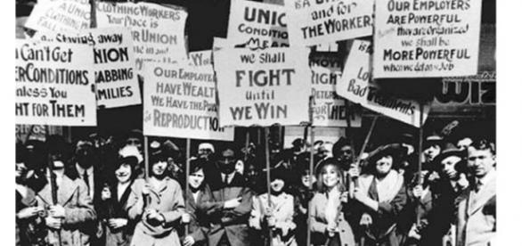 Mulheres lutando por melhores condições