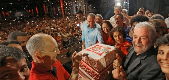 Lula durante comemorações do PT