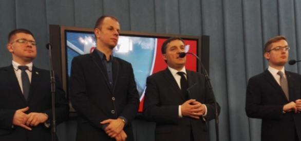 Posłowie Ruchu Narodowego na konferencji w Sejmie