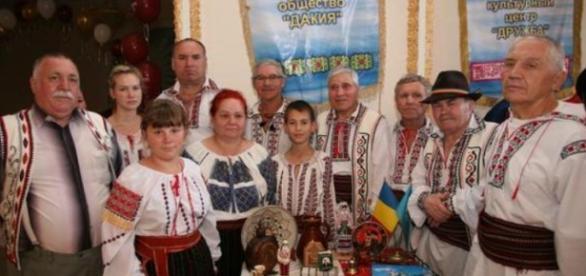 Romani din Karaganda în costume populare