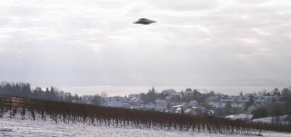 Suposto OVNI fotografado em Meersburg, Alemanha.