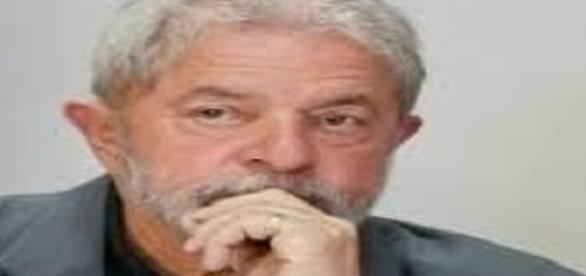 Documentos apontam que Lula era o dono dos imóveis