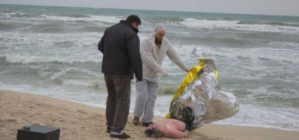 Româncă moartă în portul Giulianova