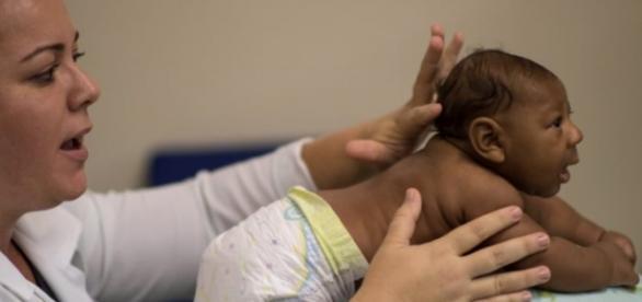 A mãe da criança ficou afetada com o vírus Zika