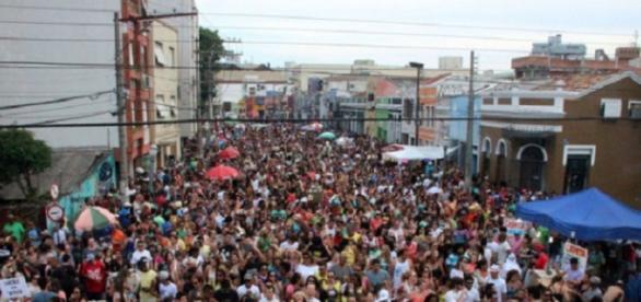 A grande festa de carnaval em Porto Alegre.