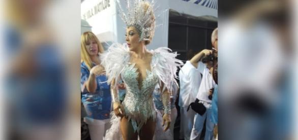 Claudia Raia é homenageada no Carnaval 2016