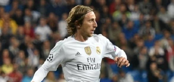Luka Modric anota el gol que salva al Real Madrid.