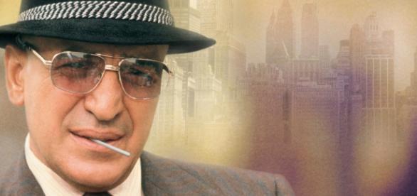 Telly Savalas interpretando o detetive Kojak