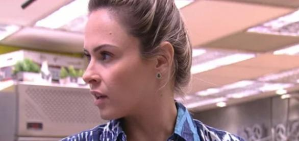 Ana Paula está furiosa com Juliana após o paredão