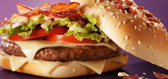 Promoção '2 por 1' no McDonald's e no Bob's