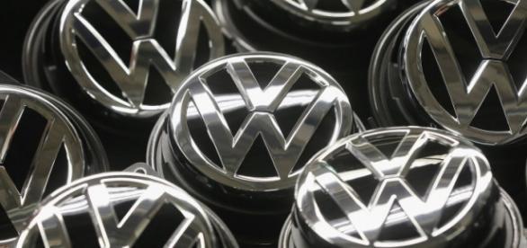 Volkswagen atrasa relatórios fiscais de 2015