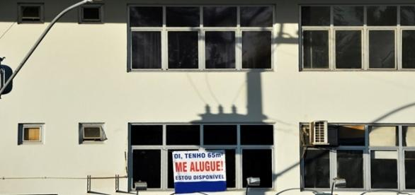 Imóveis sofrem queda drástica de aluguel