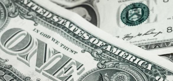 Waluta: przyczyna kryzysów i wojen.