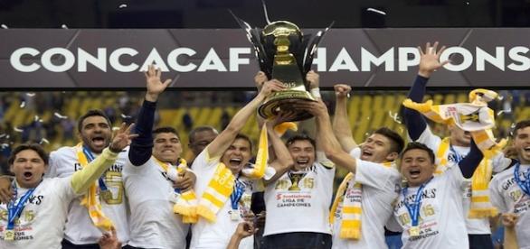 América celebra el título de la Concacaf.