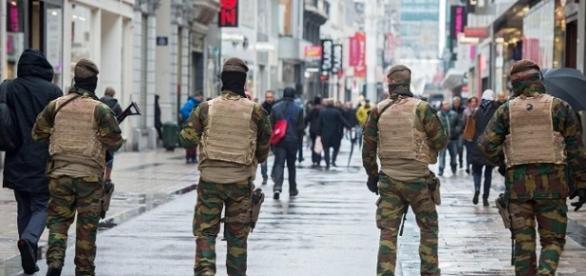 El ejército patrullando las calles de Bruselas tras el atentado