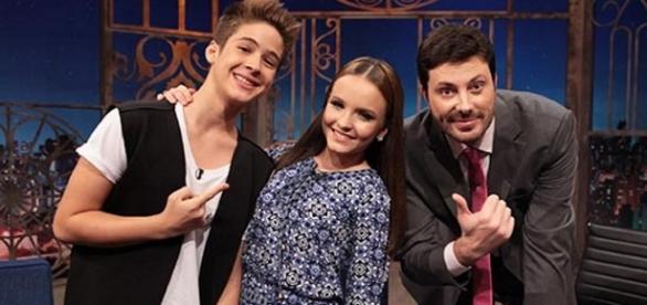 Larissa Manoela e João Guilherme no The Noite.