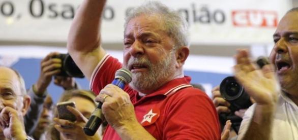 Lula chora em evento do PT- Imagem: Google
