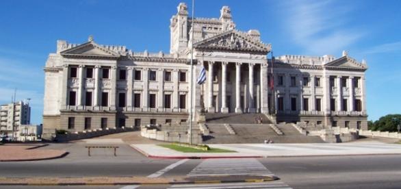 Uruguai recebe turistas atraídos pela lei