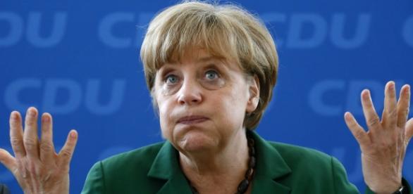 Merkel costura acordo com a União Europeia