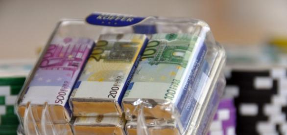 Obywatele Polski potrzebują gotówki